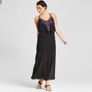 New with tags popover embroidered maxi dress